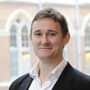 Nicolas Gérard Vaillant, docteur HDR en économie, est directeur de ETHICS – EA 7446 et conseiller scientifique à l'Institut Stratégies des Techniques de la Communication (ISTC).