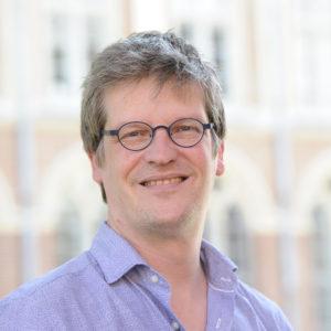 Jean-Philippe COBBAUT , juriste, philosophe, docteur HDR en Santé Publique - Directeur du Centre d'Ethique Médicale